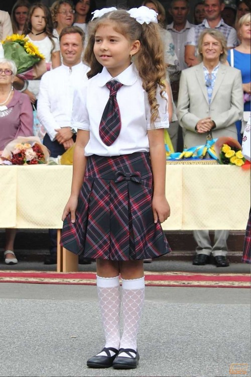 Girls_School_Uniform-8.jpg
