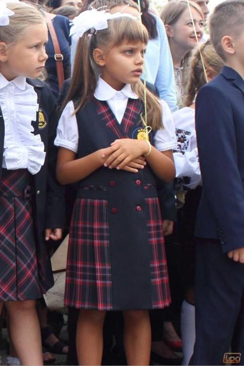 Girls_School_Uniform-11.jpg