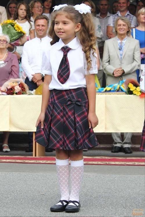 Girls_School_Uniform-8.jpg